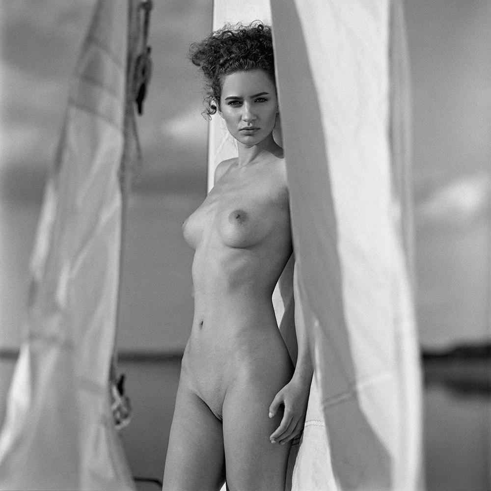 polska, analog, hasselblad 203FE, modelka, Ninoveron, akt, nude, jacht, łódka, Aga, Agnieszka G, Ferociouss24, women, 6x6
