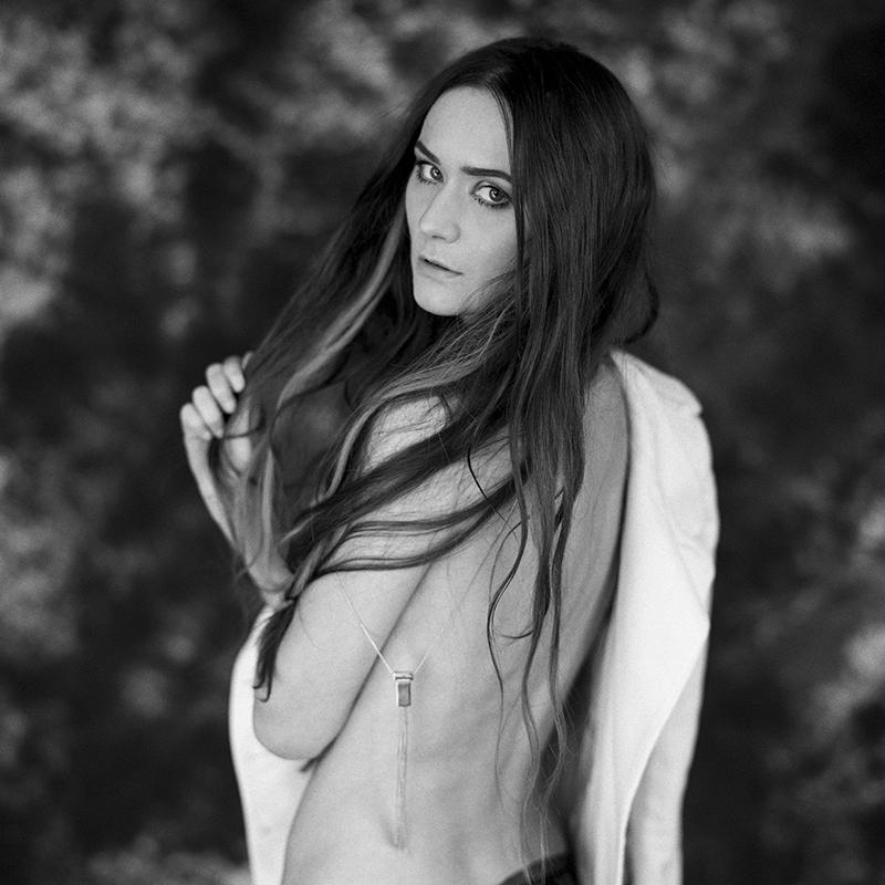 Akt, analog, wnętrza, hasselblad 203FE, Agnieszka, modelka, studio, Ninoveron, nude, poland, polska