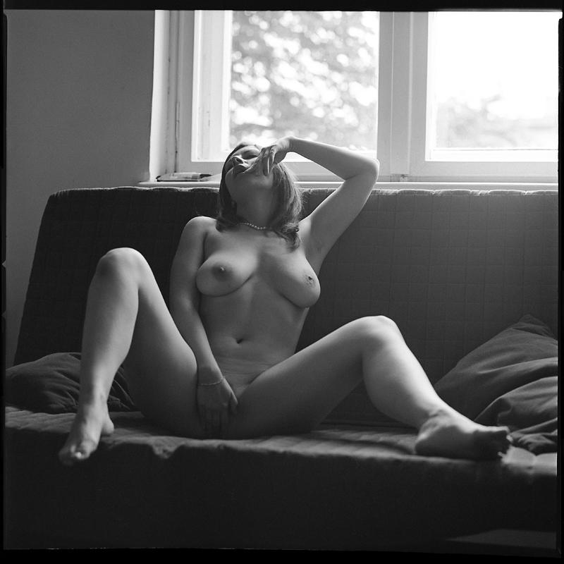 Akt, analog, hasselblad 203FE, modelka, Ninoveron, nude, Studio, wnętrza, Ola, Aleksandra, Alegria