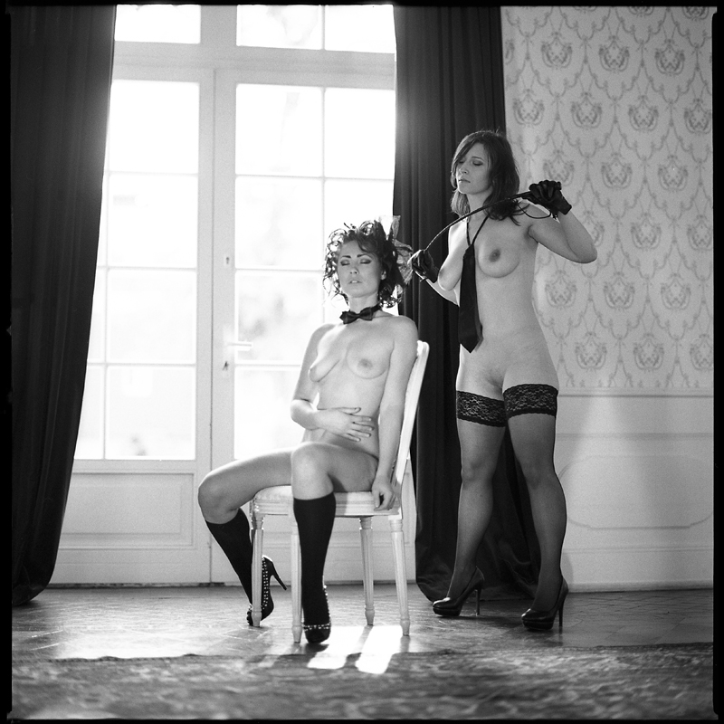 Akt, analog, hasselblad 203FE, modelka, Ninoveron, nude, Pałac, wnętrza, Ula, Ola, Alegria