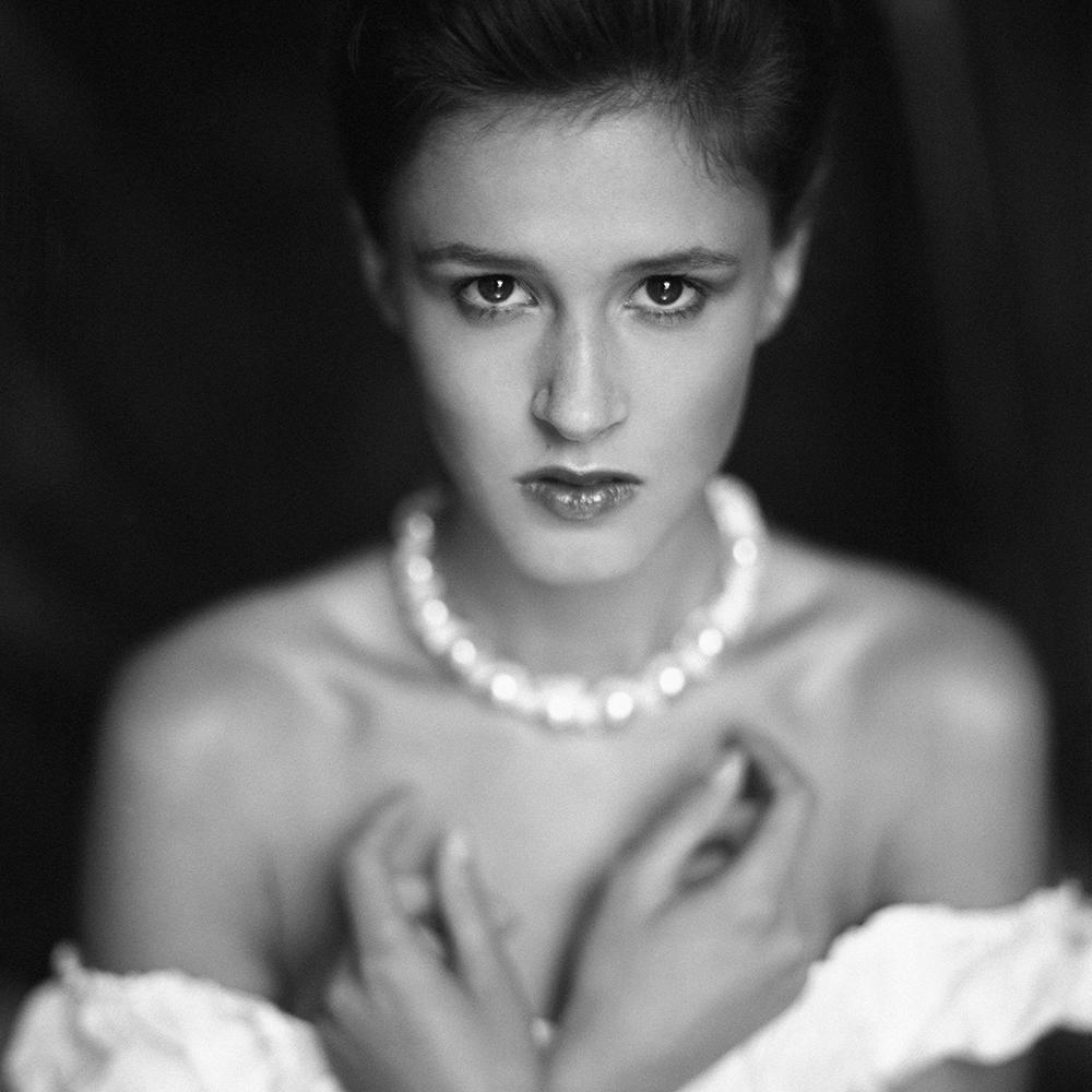 polska, analog, hasselblad 203FE, modelka, Ninoveron, portret, portrait, Alicja, women, Podlaskie Plenery Fotograficzne