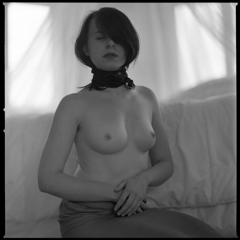 Akt, analog, hasselblad 203FE, modelka, Ninoveron, nude, Studio, wnętrza, asielka86, Asia