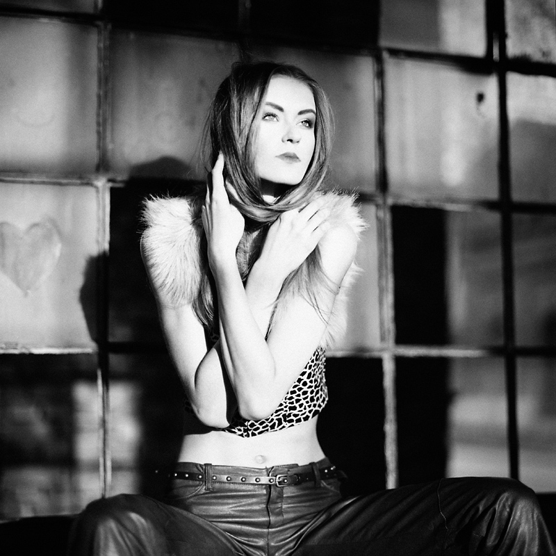 fashion, analog, hasselblad 203FE, modelka, Ninoveron, moda, plener, Beata, beataem, Beata Maj