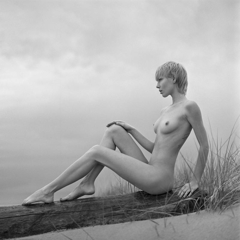 Akt, analog, plaża, bronx, hasselblad 203FE, Magda, modelka, Ninoveron, nude, poland, polska
