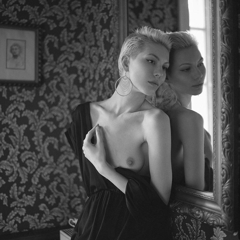 polska, Rzepiszew, analog, hasselblad 203FE, modelka, Ninoveron, akt, nude, Magda, Bronx, wnętrza, Dworek