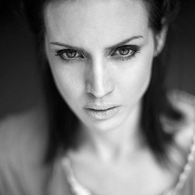 polska, analog, hasselblad 203FE, modelka, Ninoveron, portret, Karolina Kumorek, Caradel Neil, FotoSzopa