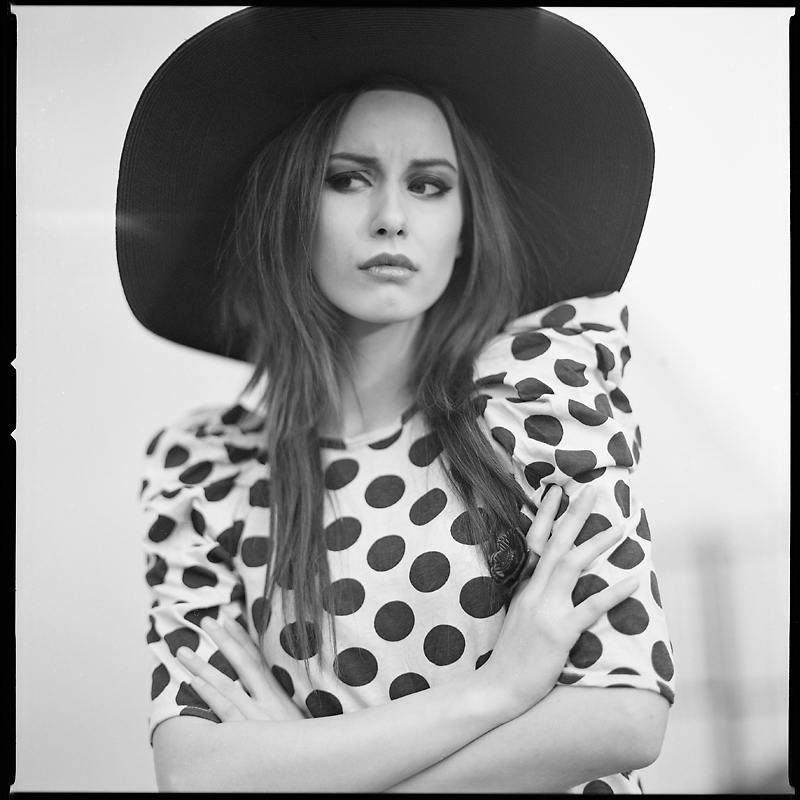 analog, Karolina Augustyn, carolajn, Hasselblad 203FE, Ilford XP2, modelka, fashion, plener, Ola Fijałkowska