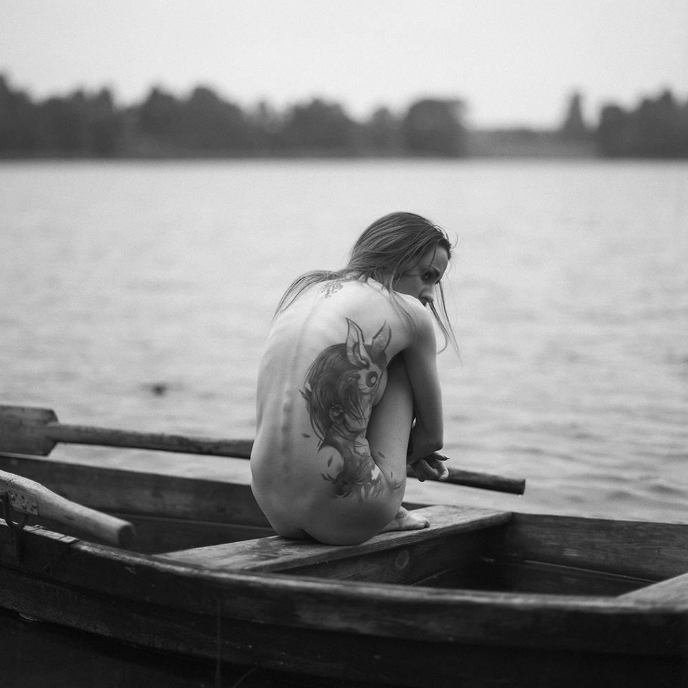 polska, analog, hasselblad 203FE, modelka, Ninoveron, akt, nude, Ola, Desari, jezioro, women, Podlaskie Plenery Fotograficzne