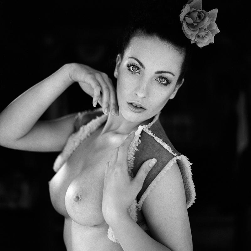 polska, analog, hasselblad 203FE, modelka, Ninoveron, akt, nude, Dagmara, Elfka, fotoszopa
