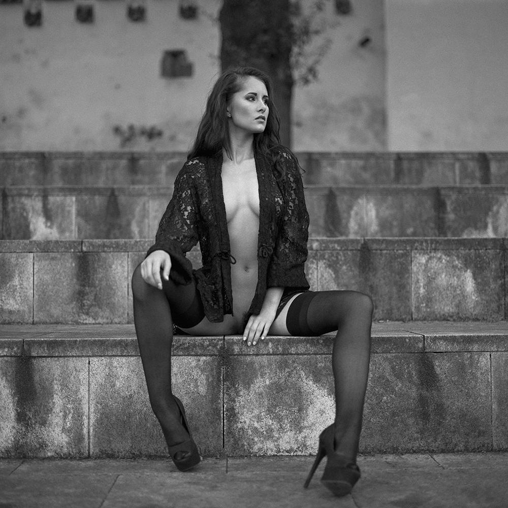 czechy, analog, hasselblad 203FE, modelka, Ninoveron, akt, nude, miasto, streetphoto, Marta, plener, Enigma, Enigma89