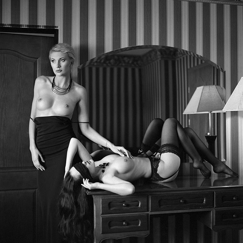 polska, poland, analog, hasselblad 203FE, modelka, Ninoveron, akt, nude, Marta, wnętrza, hotel, Enigma, Enigma89, Siewierz