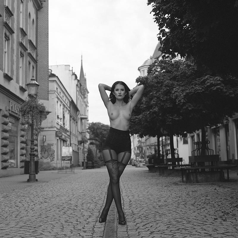 polska, poland, analog, hasselblad 203FE, modelka, Ninoveron, akt, nude, Marta, plener, zamek, Enigma, Enigma89
