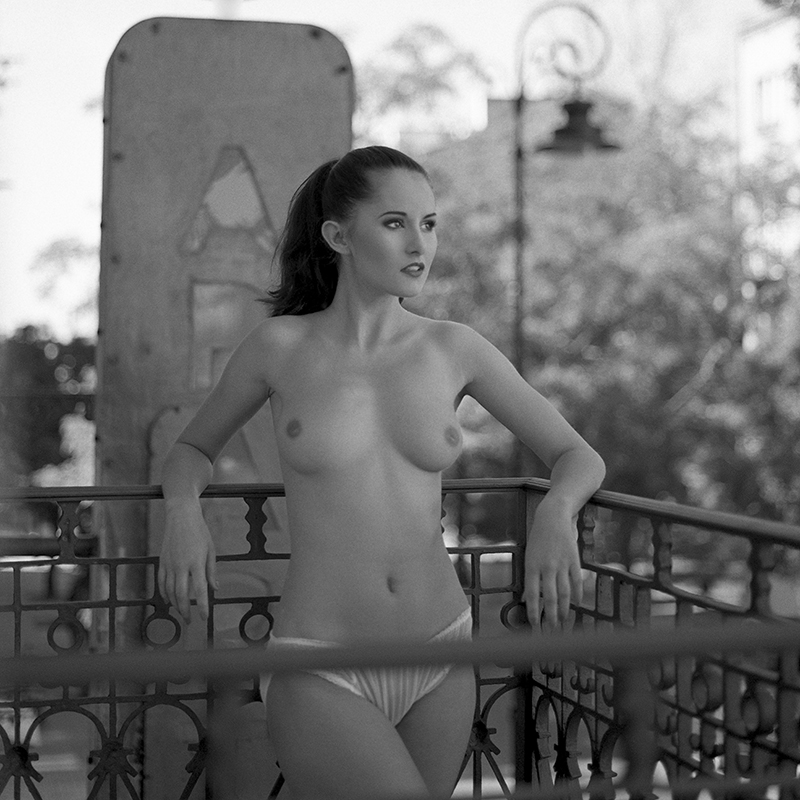 polska, analog, hasselblad 203FE, modelka, Ninoveron, akt, nude, Marta, Marta Wijatyk, Enigma, Enigma89, Warszawa