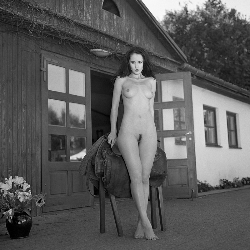 polska, analog, hasselblad 203FE, modelka, Ninoveron, akt, nude, Marta, Marta Wijatyk, Enigma, Enigma89