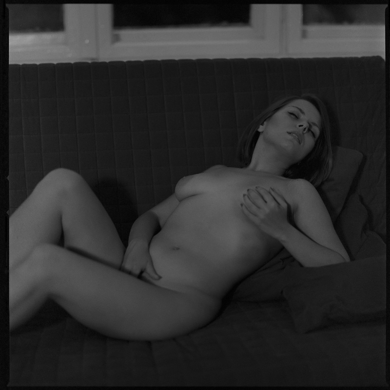 Akt, analog, hasselblad 203FE, modelka, Ninoveron, nude, Studio, wnętrza, Gabi