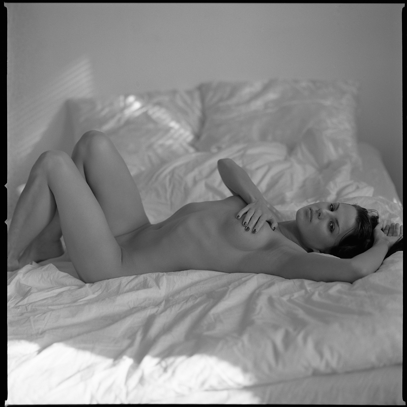 Weronika, generalowa, akt, nude, topless, analog, studio, modelka