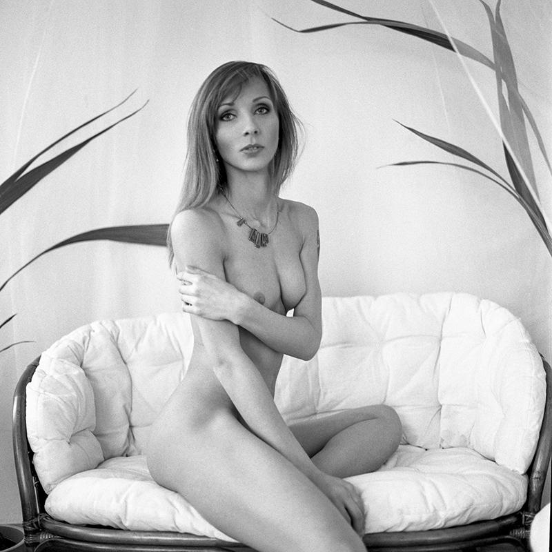 polska, analog, hasselblad 203FE, modelka, Ninoveron, akt, nude, Sylwia, ilioswasilema