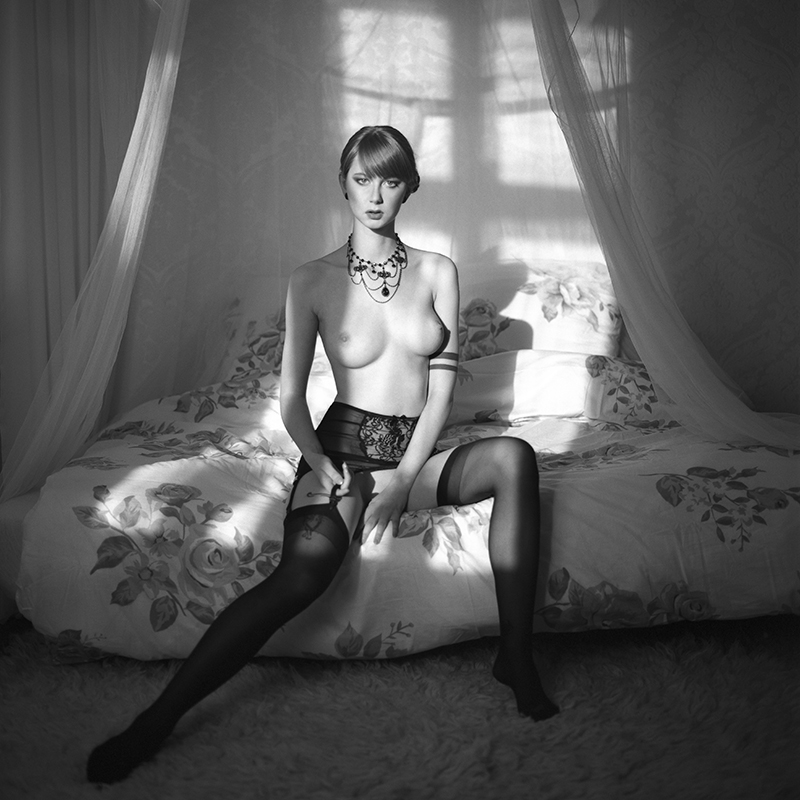 Akt, analog, wnętrza, kaboom, hasselblad 203FE, Mariola, modelka, studio, Ninoveron, nude, poland, polska