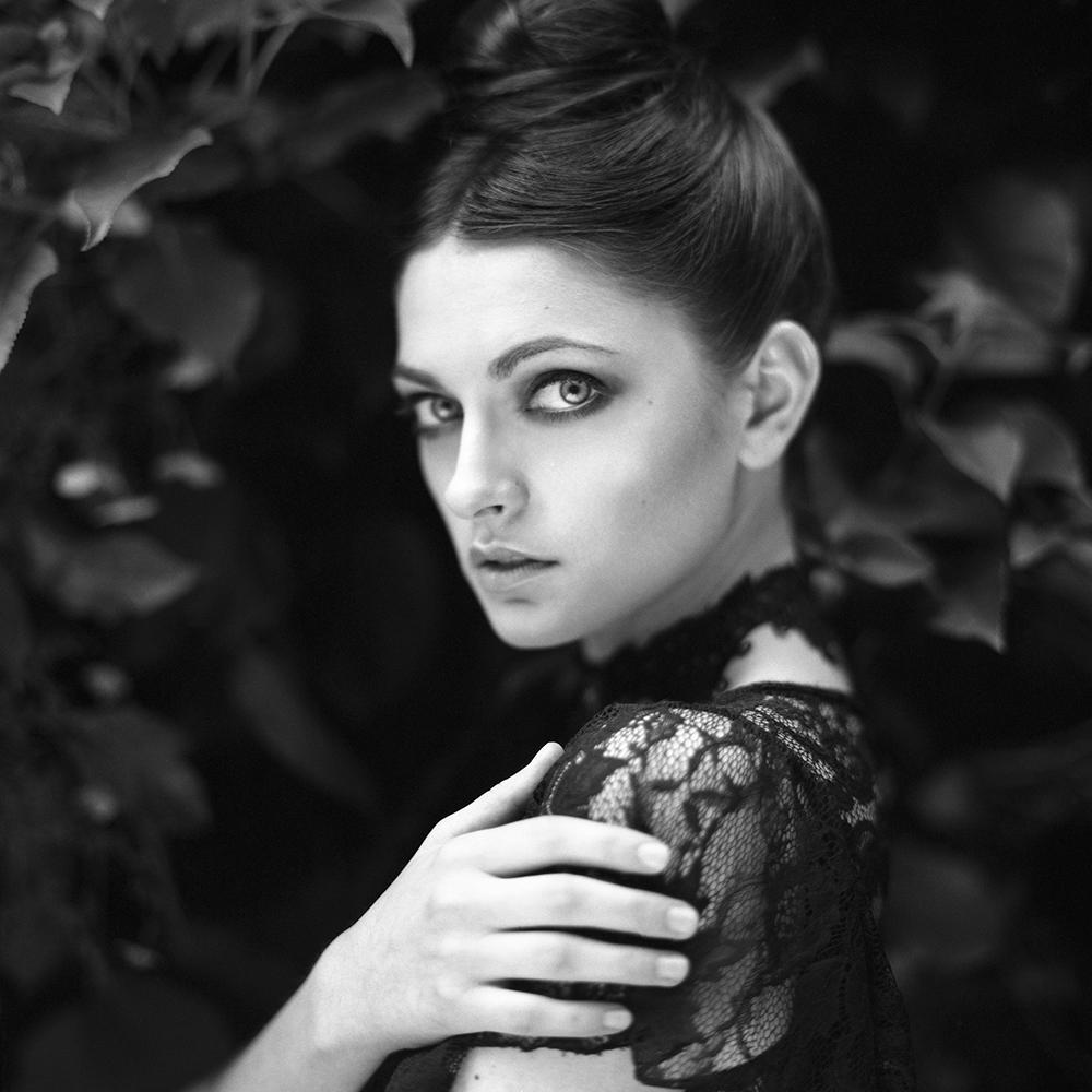 polska, analog, hasselblad 203FE, modelka, Ninoveron, portret, portrait, plener, fashion, Michałowice, Kalina Szumilas