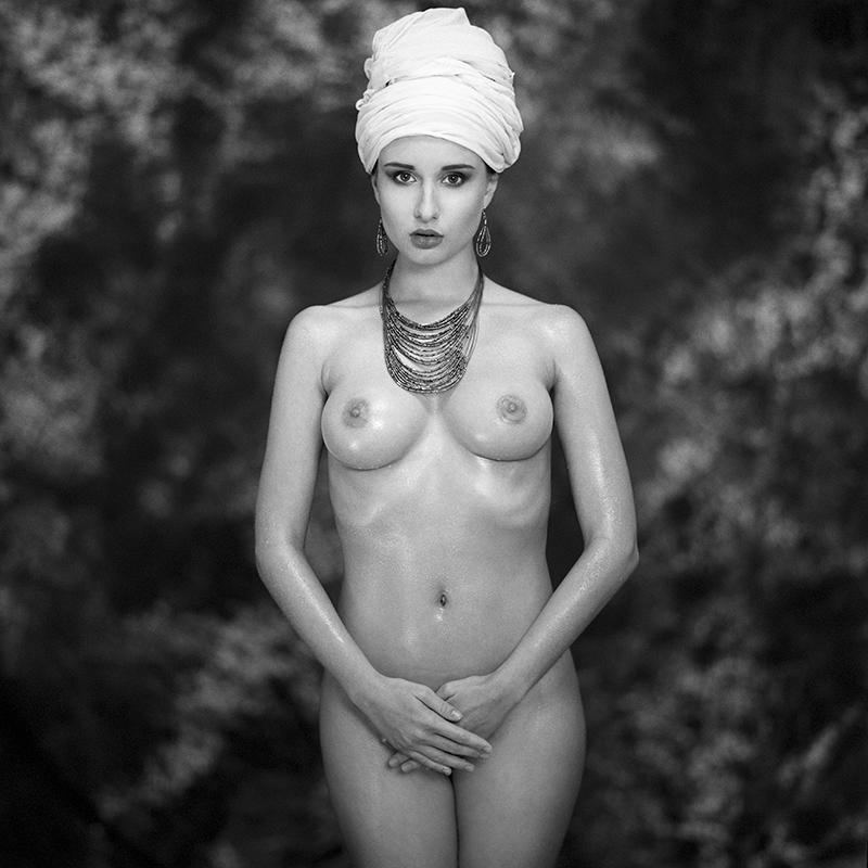 Akt, analog, wnętrza, hasselblad 203FE, Kalina, ClematisPea, modelka, studio, Ninoveron, nude, poland, polska