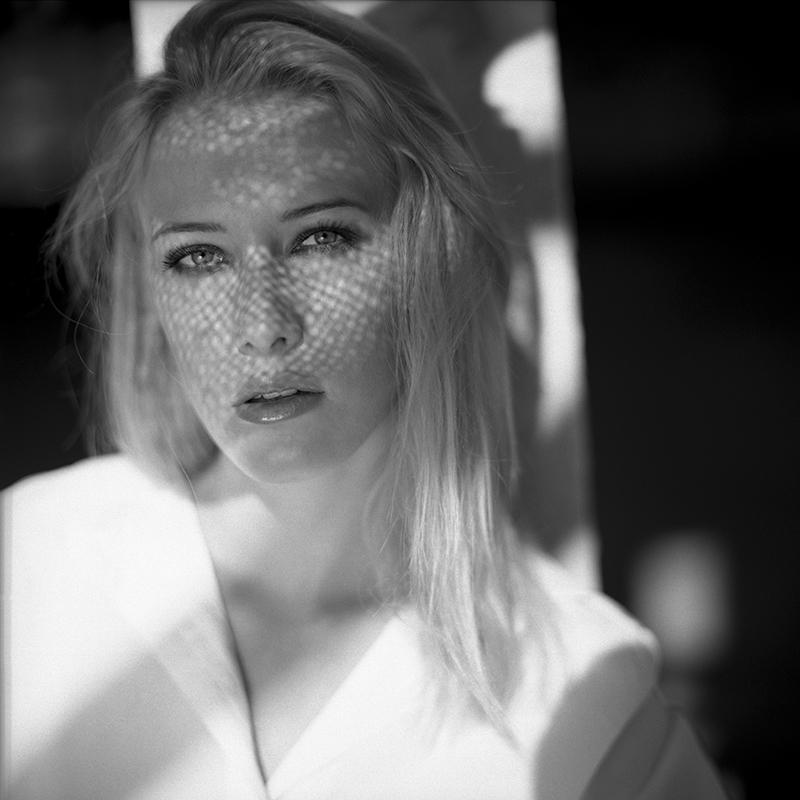 polska, analog, hasselblad 203FE, modelka, Ninoveron, portret, Kamila Ślusarczyk, Łukasz Bier, Park Śląski