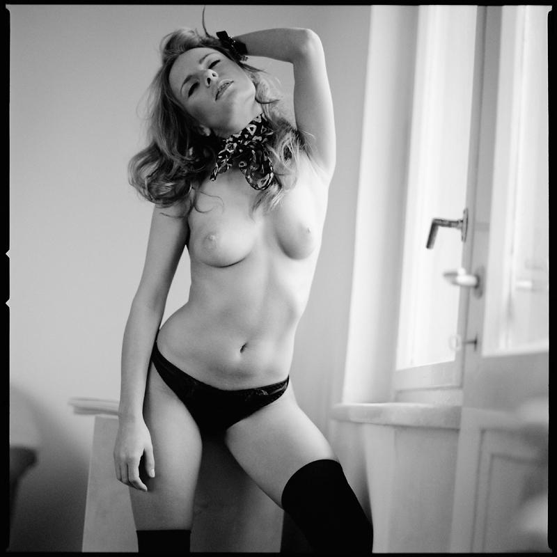 Akt, analog, hasselblad 203FE, modelka, Ninoveron, nude, Studio, wnętrza, katya2, kasia