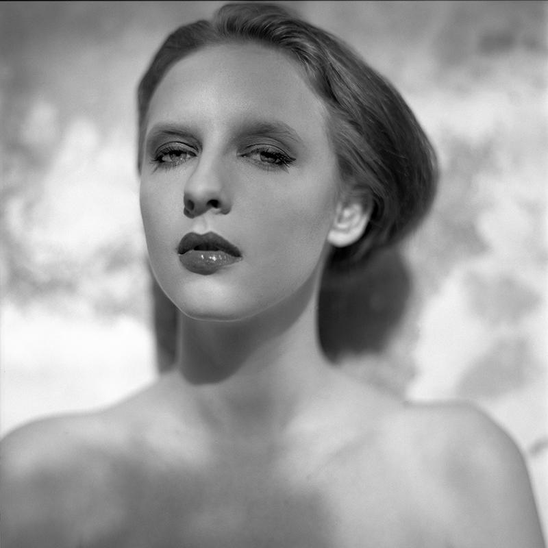 polska, analog, hasselblad 203FE, modelka, Ninoveron, portret, Paulina, Katty_1994, Baborówko