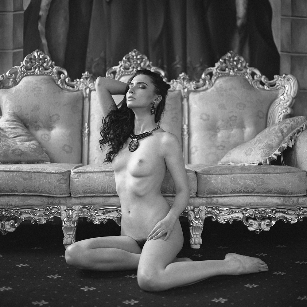 analog, hasselblad 203FE, modelka, Ninoveron, akt, nude, wnętrza, dworek, Lila da Kot, polska, women