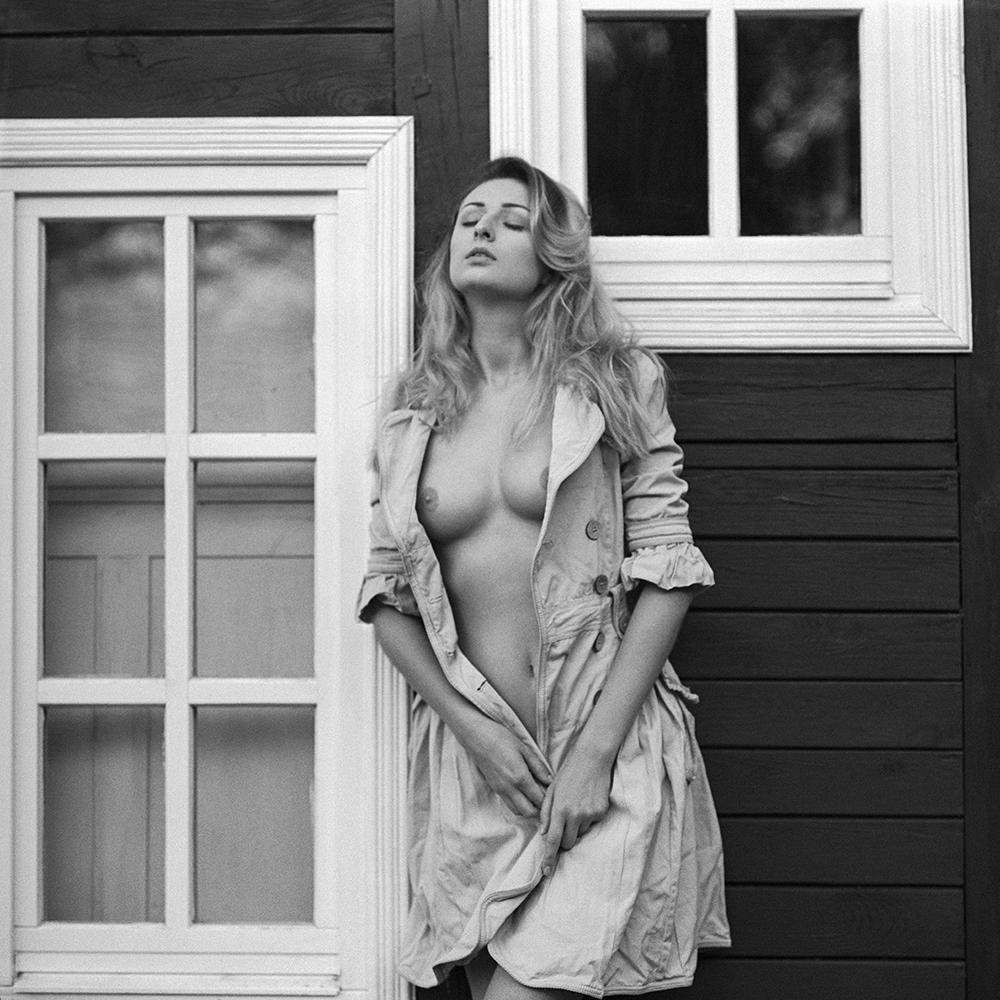 polska, analog, pentacon six, modelka, Ninoveron, akt, nude, Monika, Lipson, plener, na granicy prawdy i snu