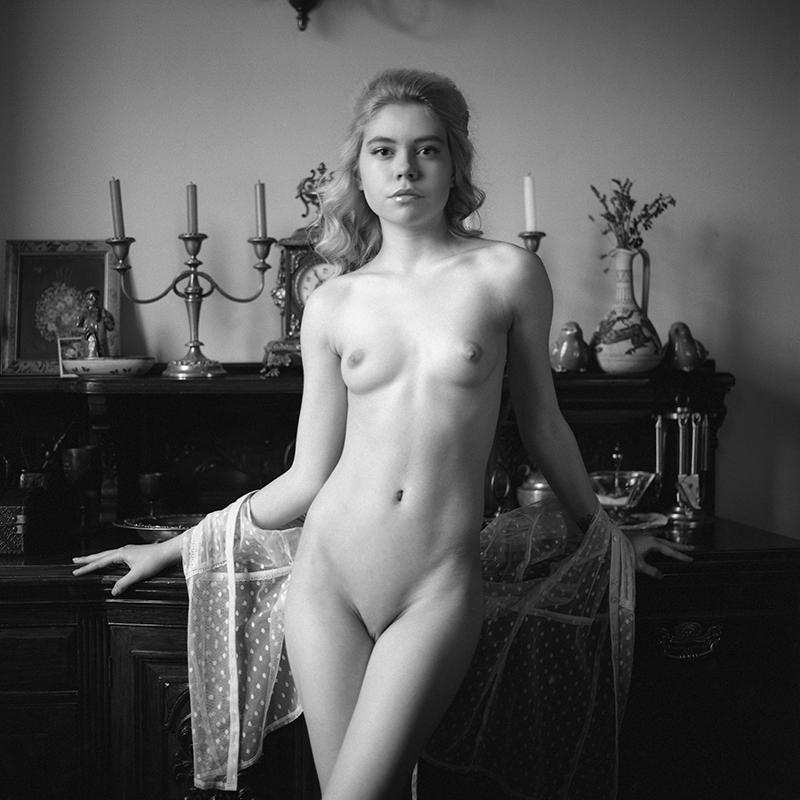 polska, analog, hasselblad 203FE, modelka, Ninoveron, akt, nude, Margo , Ritylensia, wnętrza, Dworek