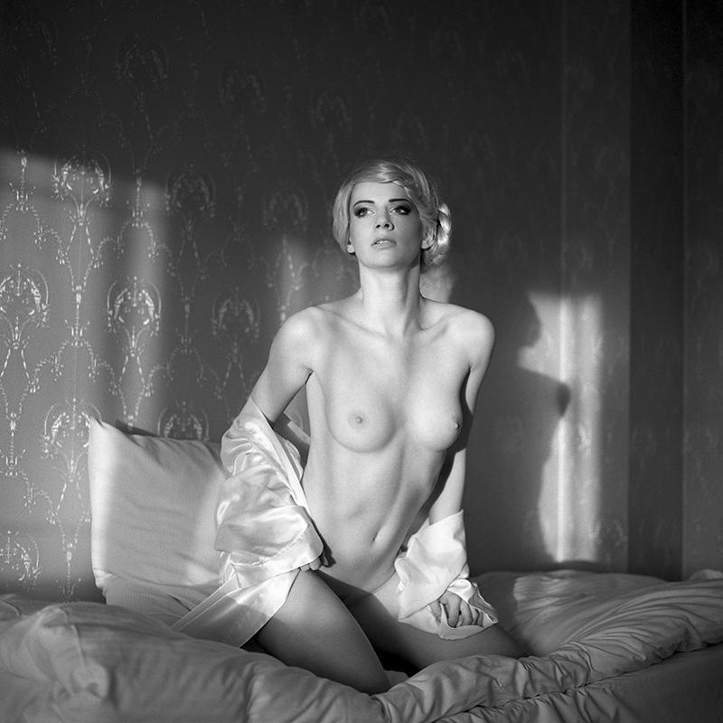 polska,, analog, hasselblad 203FE, modelka, Ninoveron, akt, nude, Marta, wnętrza, hotel, Martynika