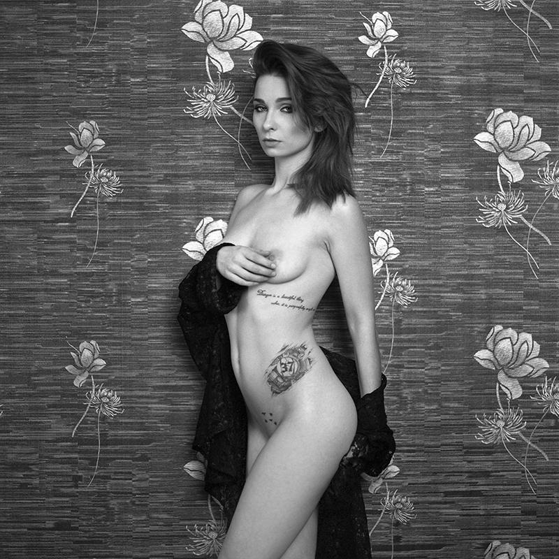 polska, analog, hasselblad 203FE, modelka, Ninoveron, akt, nude, Magda, Nieprosta, wnętrza, hotel Fajkier