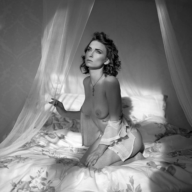 Akt, analog, wnętrza, hasselblad 203FE, Magda, Nieprosta, modelka, studio, Ninoveron, nude, poland, polska