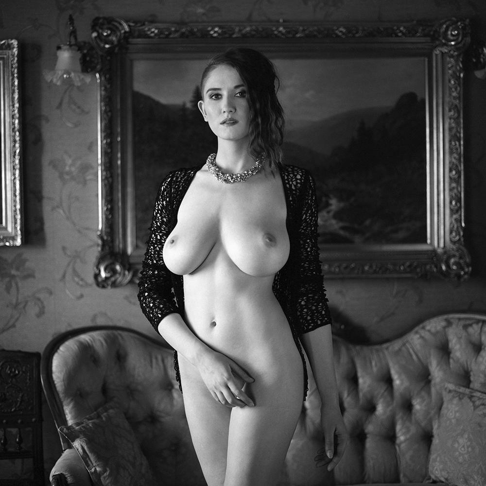 analog, hasselblad 203FE, modelka, Ninoveron, akt, nude, wnętrza, dworek, Ola, polska, women,