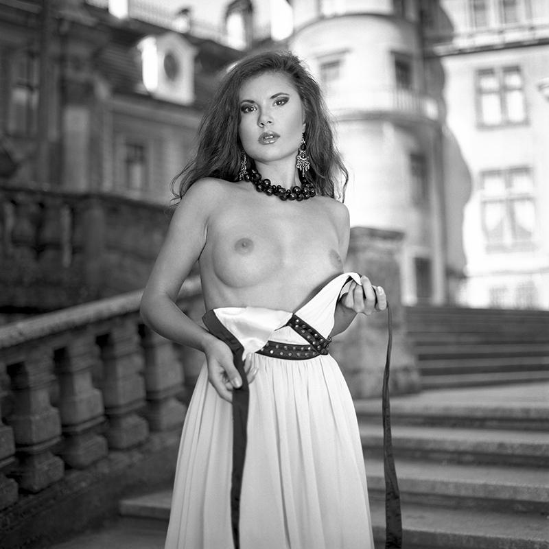 Polska, analog, hasselblad 203FE, modelka, Ninoveron, akt, nude, plener, zamek, Ola, Ola Homel, Alexis_h