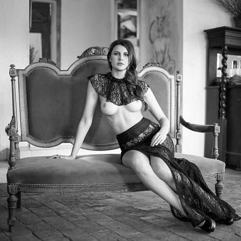 polska, analog, hasselblad 203FE, modelka, Ninoveron, akt, nude, rycerka, Olga Kamińska, Fotoszopa