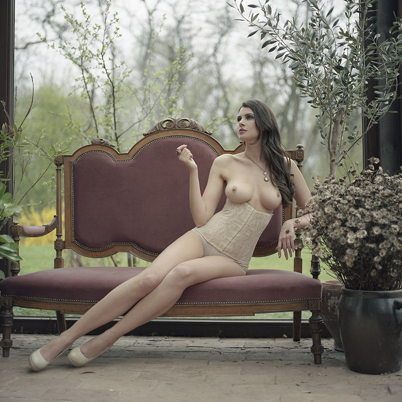 polska, analog, hasselblad 203FE, modelka, Ninoveron, akt, nude, rycerka, Olga Kamińska