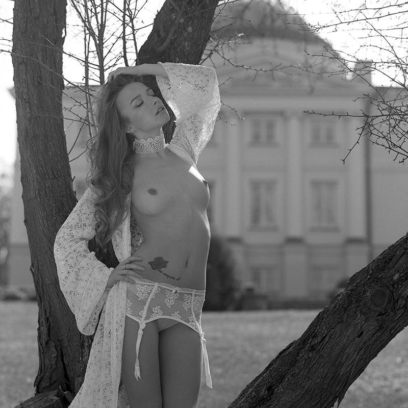 polska, analog, hasselblad 203FE, modelka, Ninoveron, akt, topless, nude, plener, Monika, reborn_lion