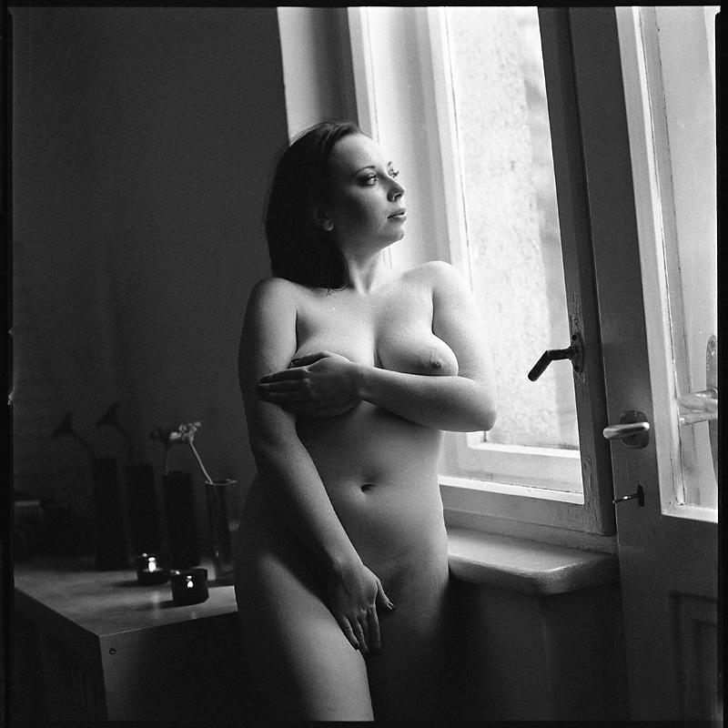 Akt, analog, hasselblad 203FE, modelka, Ninoveron, nude, Studio, wnętrza, Basia, riannnonn