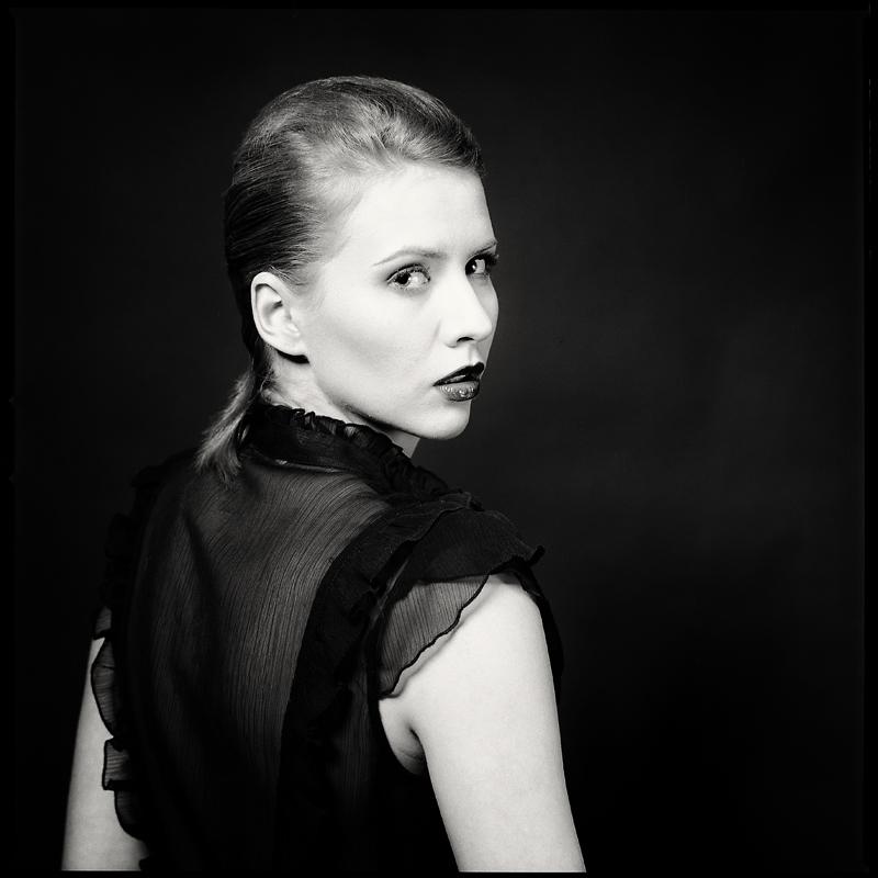 analog, Sandra Jasińska, sandrr, Hasselblad 203FE, portret, modelka, fashion, studio
