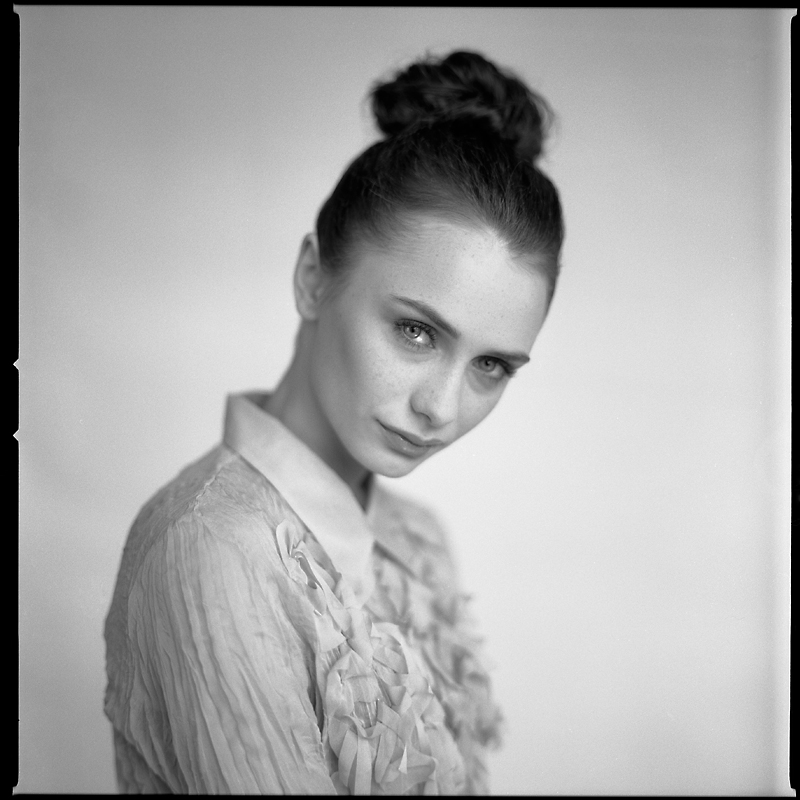 analog, Ewa, sunlight, Hasselblad 203FE, portret, modelka, fashion, studio