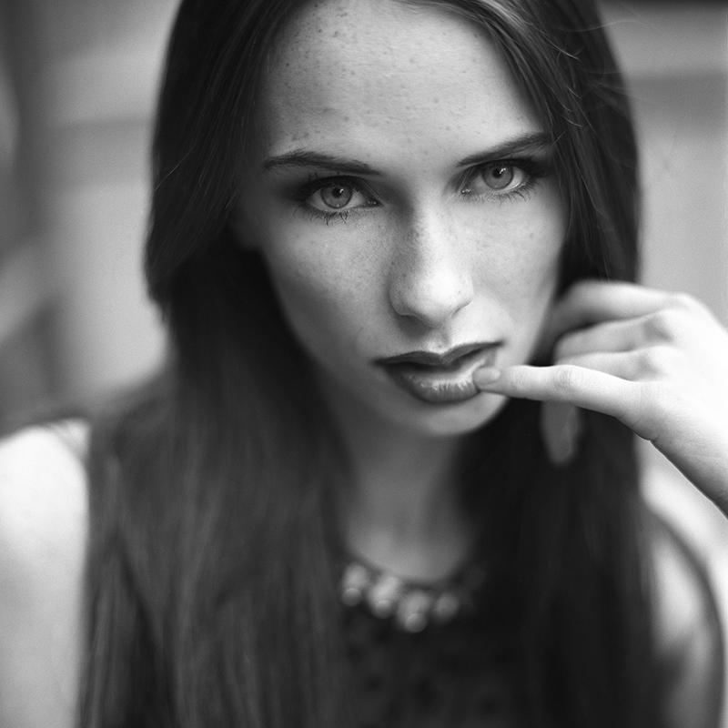 polska, sosnowiec, analog, hasselblad 203FE, modelka, Ninoveron, portret, fashion, Ewa, Sunlight