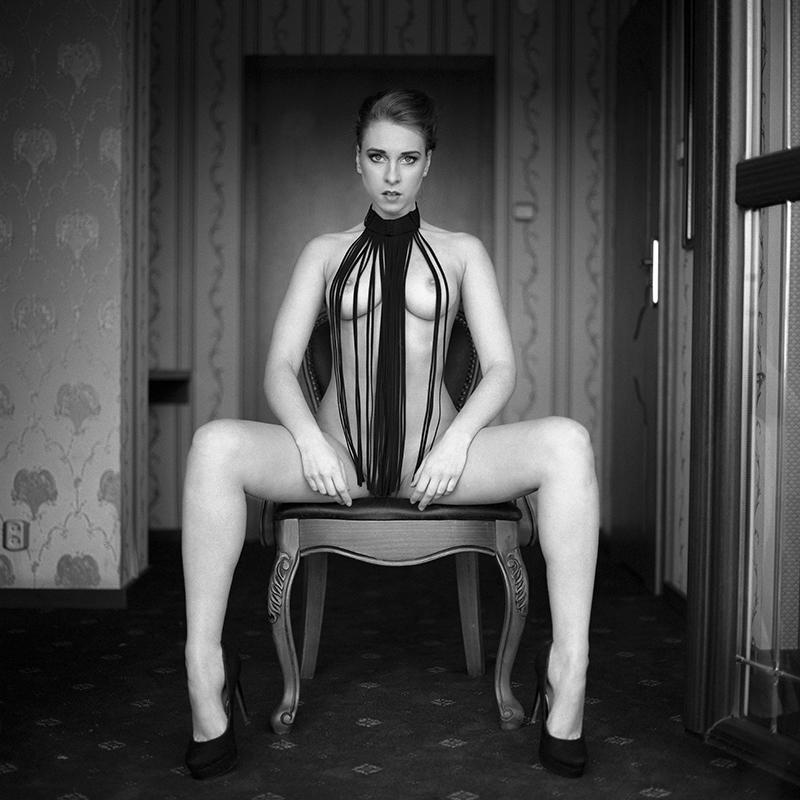 polska, analog, hasselblad 203FE, modelka, Ninoveron, akt, nude, Sandra, wnętrza, TatianaXD