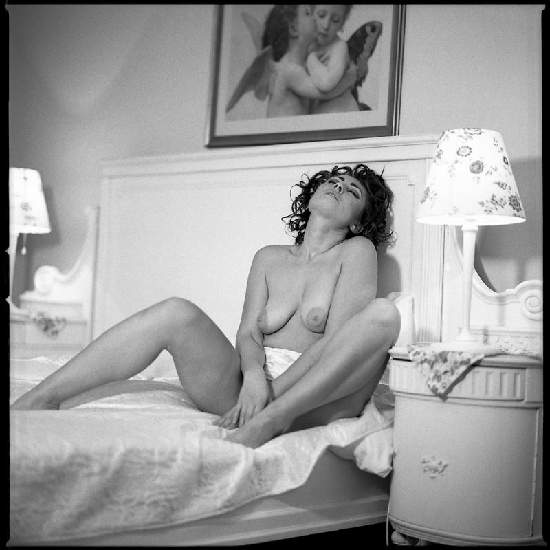 Akt, analog, hasselblad 203FE, modelka, Ninoveron, nude, Pałac, wnętrza, Ula
