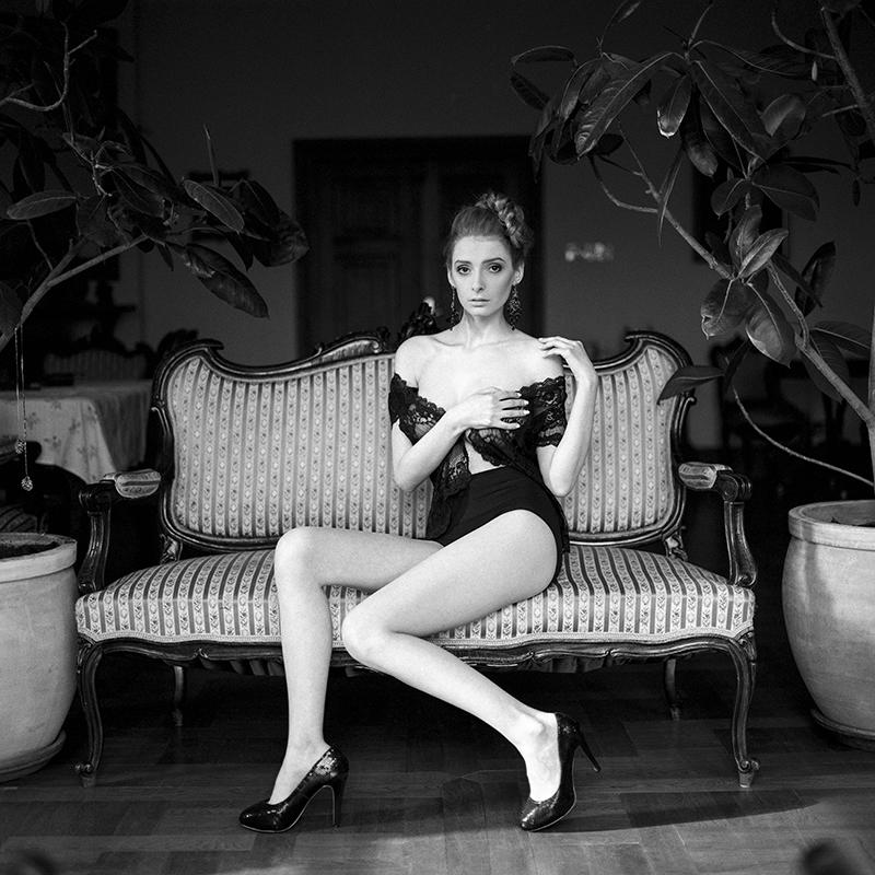 polska, analog, hasselblad 203FE, modelka, Ninoveron, akt, nude, Iza, vaniilaaa, wnętrza, Dworek