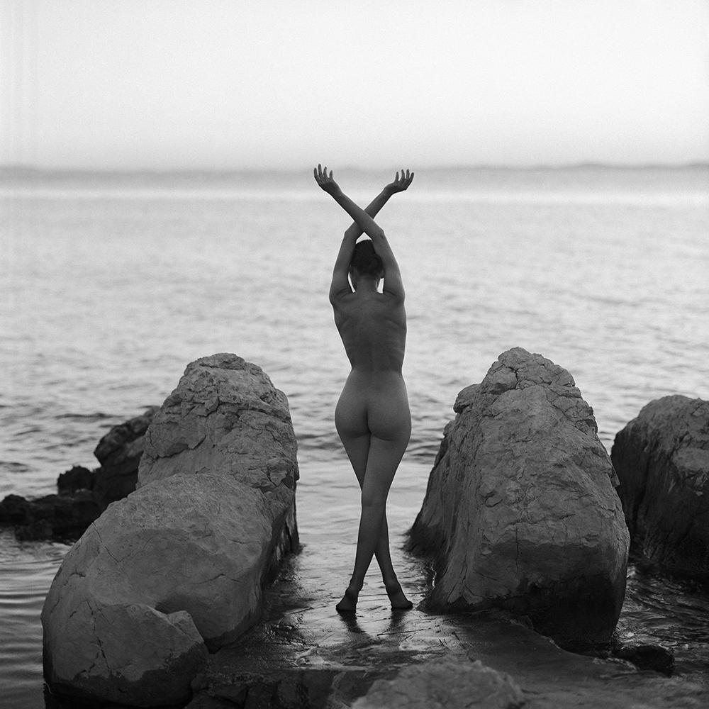 croatia, chorwacja, analog, hasselblad 2003, modelka, Ninoveron, akt, nude, plaża, plener, chorwackie plenery, morze, sea, Yuliia,